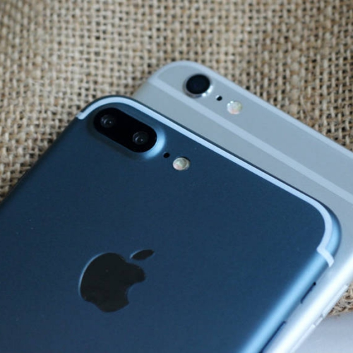 iphone-7-6se-plus-new-colour-deep-light-blue-review-dual-camera-high-res-hands-on