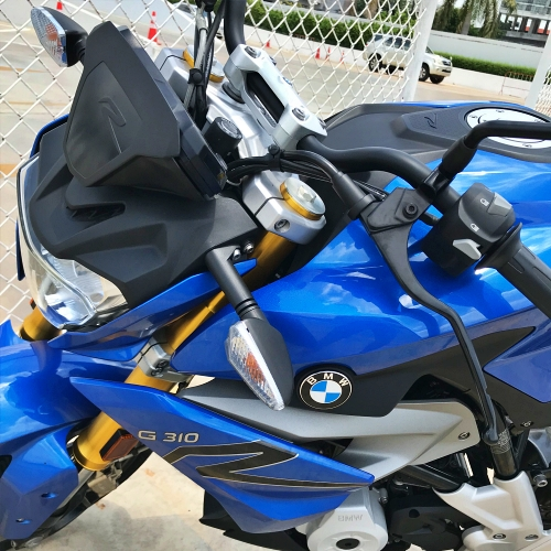bmw-motorrad-review-bigbike-thai-best-cheapest-g310r-g310gs-300cc-bitec-parking
