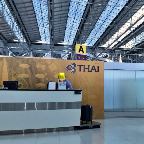tg-thai-airways-first-class-review-747-tokyo-japan-blogger-sponsor-seat-airport-checkin-priority