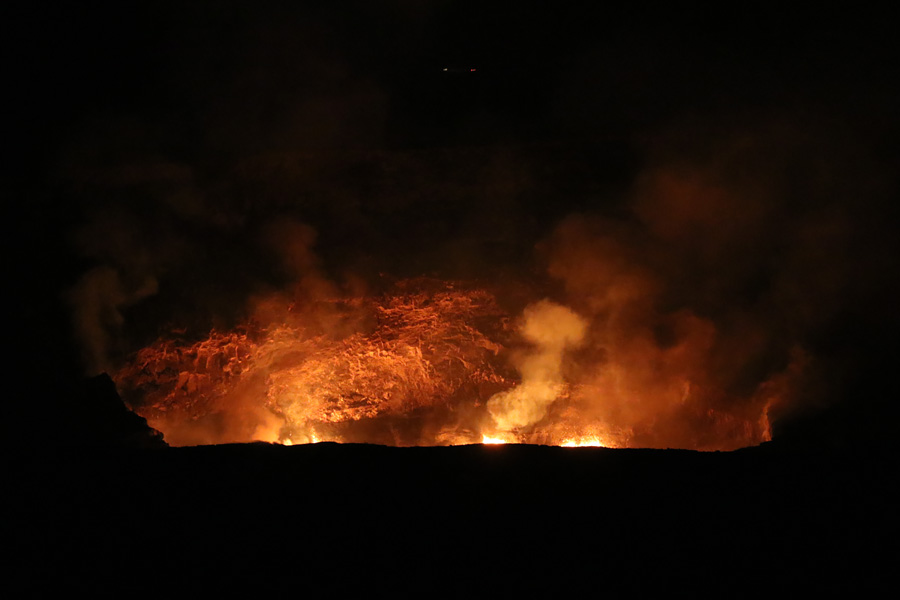 Things to do on the Big Island of Hawaii | Volcanoes National Park Lava Glow from Jaggar Museum