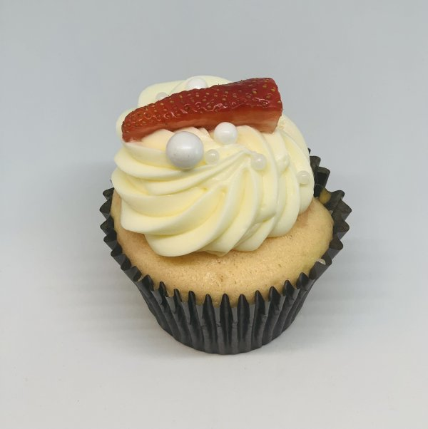 strawberry champagne cupcake | Bakery in Norfolk