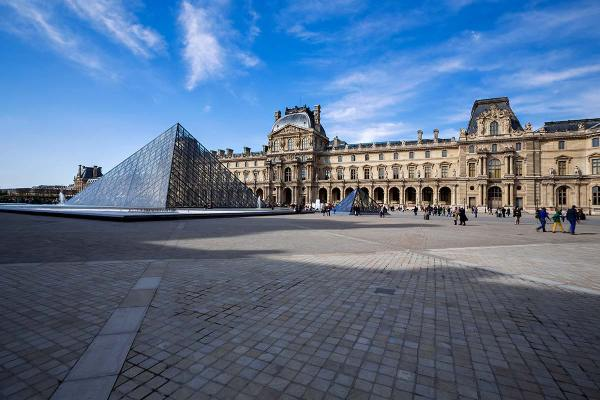 Love Paris In Springtime. Travel Nisa Maier And Ulli Maier