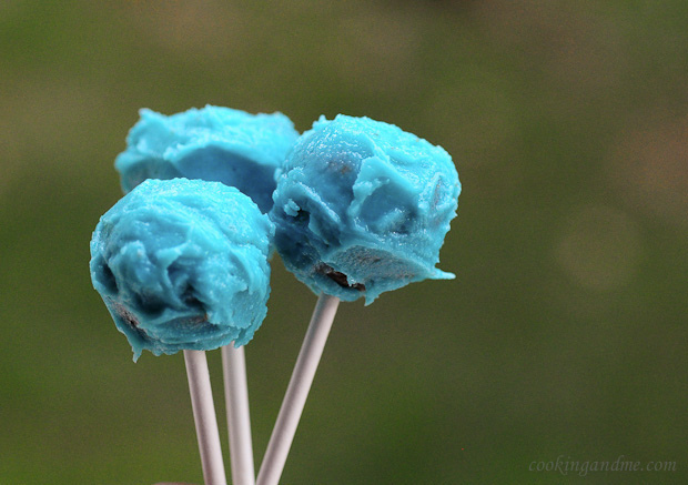 Easy Basic Cake Pops Recipe