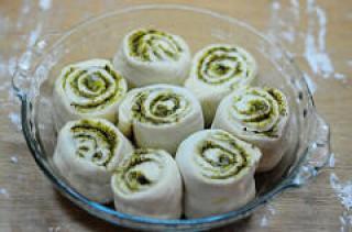 Eggless Pesto Pull-Apart Rolls Recipe