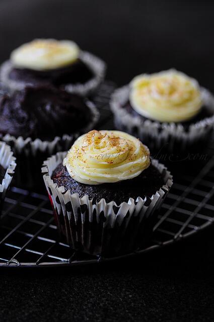 Vegan Chocolate Avocado Cupcakes-Eggless Cake Recipes