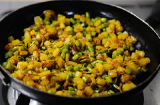 Beans Aloo Sabji - Potato Beans Stir-Fry (Curry) Recipe