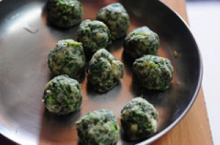 palak aloo tikki-spinach potato cutlet recipe-6