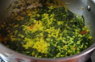 spinach kootu-keerai kootu-south indian kootu recipe-4