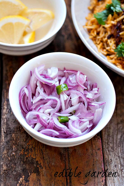 onion challas-kerala sarlas salad recipe
