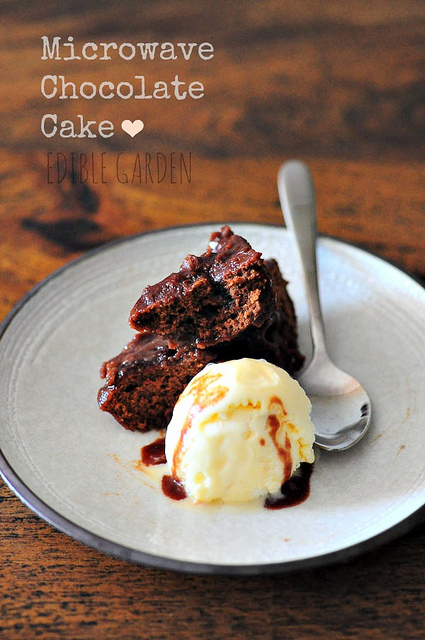 microwave chocolate cake recipe-make cake in a microwave