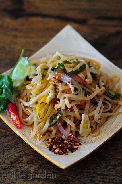 pad thai-vegetarian pad thai noodles recipe