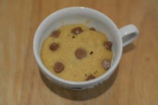 chocolate chip cookie in a cup-microwave choc chip cookie-7