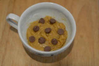 chocolate chip cookie in a cup-microwave choc chip cookie-6