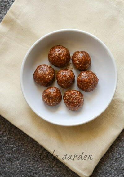 coconut sesame ladoo diwali sweet recipe