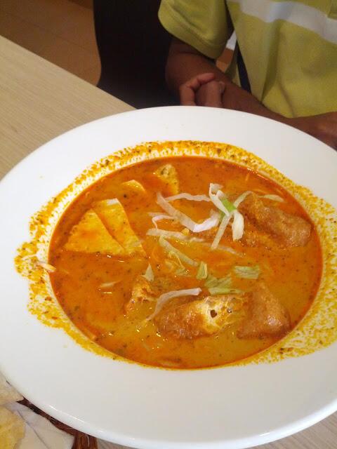 Vegetarian Malaysian Laksa   Gokul Vegetarian Restaurant Singapore