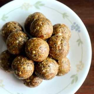 oats and dates ladoo healthy diwali sweets