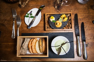 Gruß aus der Küche: Brot & Aufstriche