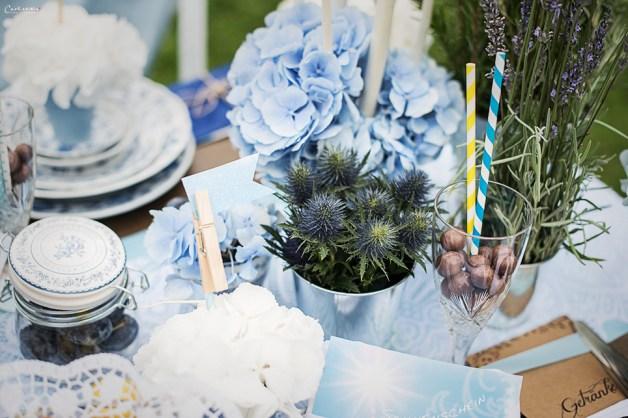 Blaue & weiße Blüten mit Candys