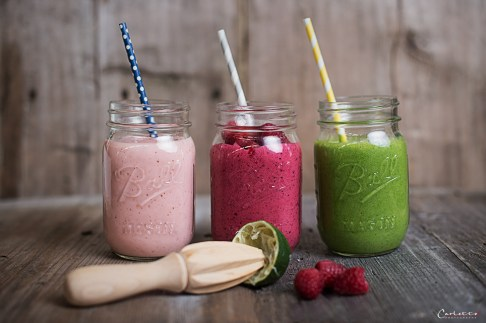 colourful smoothies for the go