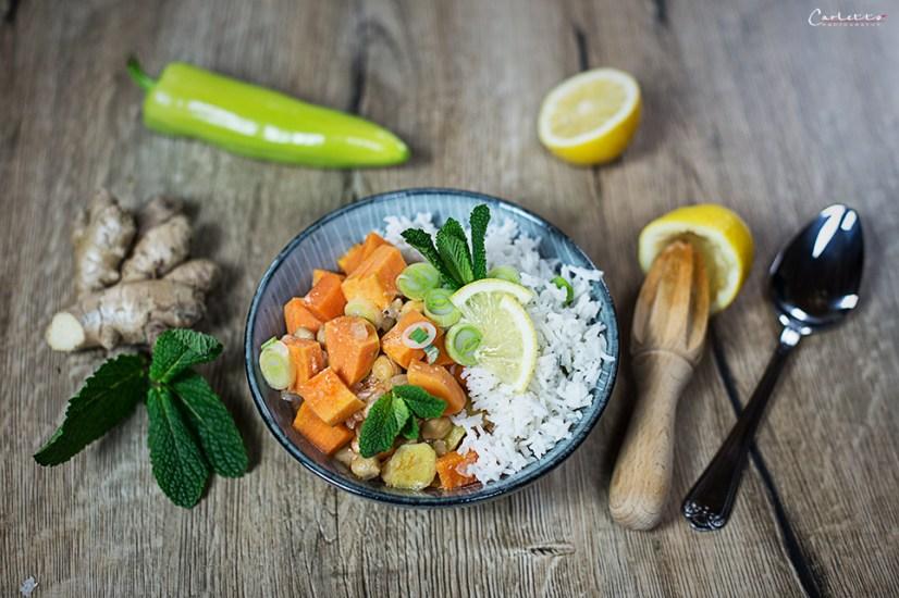 Curry mit Reis und Süßkartoffeln