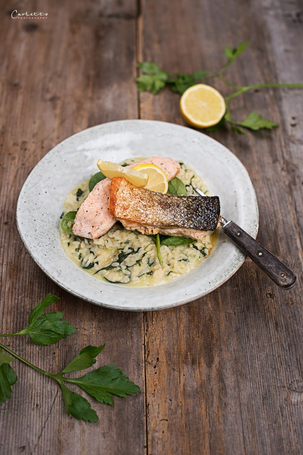 Spinach Risotto with crispy Salmon Filets