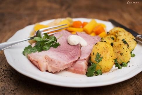 Horseradish Meat with Potatoes & Horseradish Cream