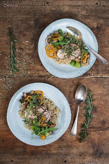 quinoa lachs bowl