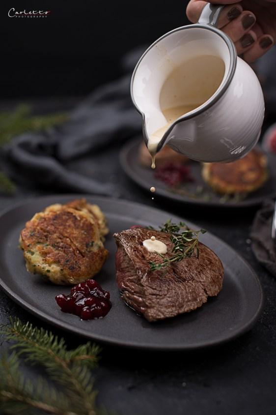 Kartoffel Käse Taler mit Rindersteak