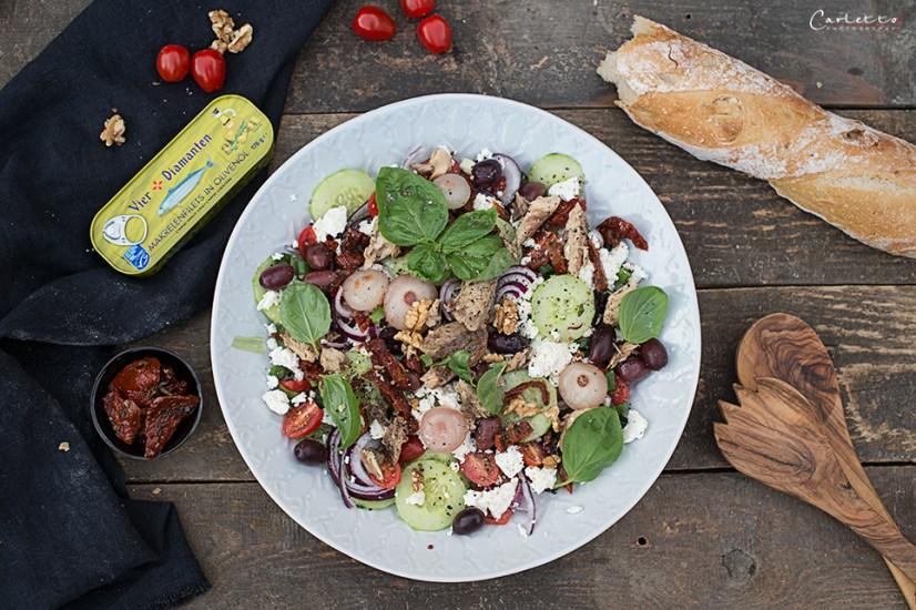 Mediterraner Salat mit Makrele