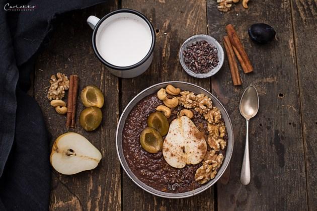 Frühstücksbowl mit Hirse und Birnen