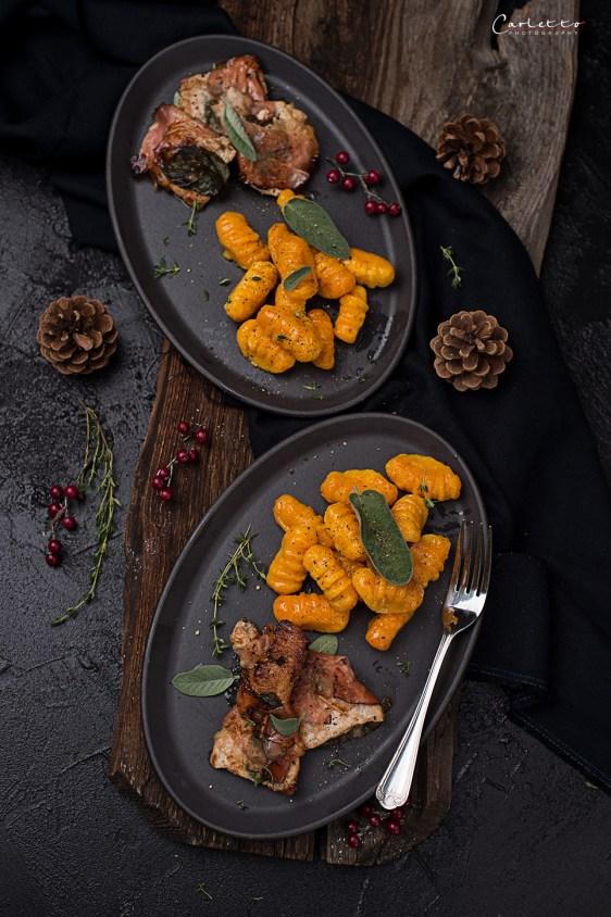 Schweinsschnitzel mit hausgemachten Kürbisgnocchi, Salbei & brauner Butter