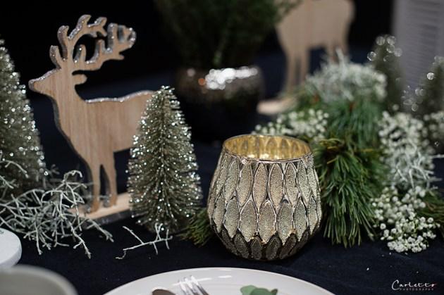 Kaffee Streuselkuchen, aufgedeckter Weihnachtstisch, Adventstisch
