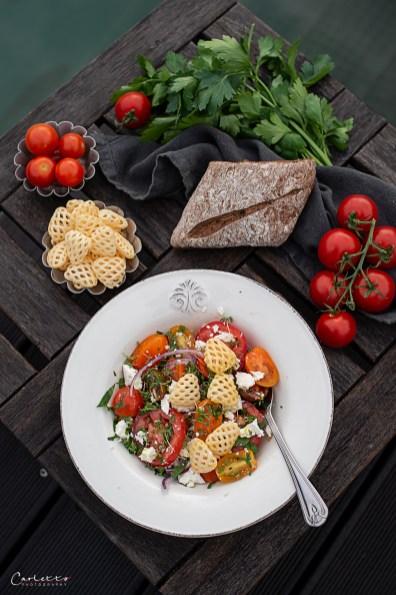 Tomatensalat mit Feta, Pommels & Kräuterdressing_7013