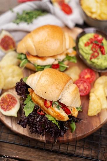 Spicy Hphner Sandwiches mit Acovado Chili Dip