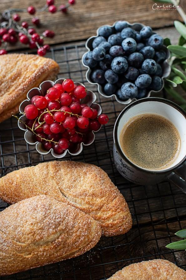 Sfogliatelle - Italienisches Frühstücksgebäck_1453
