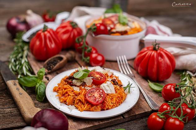 Nudel Risotto mit Tomaten und Mozzarella