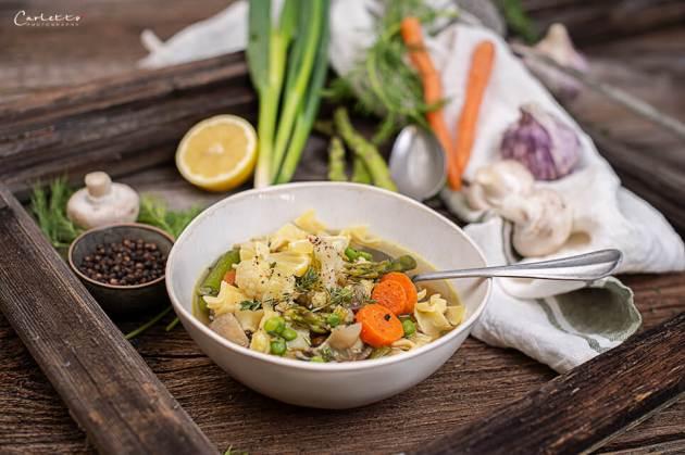 Nudeleintopf mit Fleckerl Nudel und Gemüse