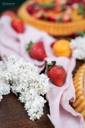 Erdbeeren und Blumen