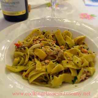 Itinerant cooking school and personal cook at your holiday home: nonna Rossy's tagliatelle with fish sauce