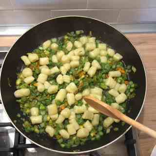 Montespertoli: holiday home cooking classes with asparagus and courgette flowers Sauce for Gnocchi