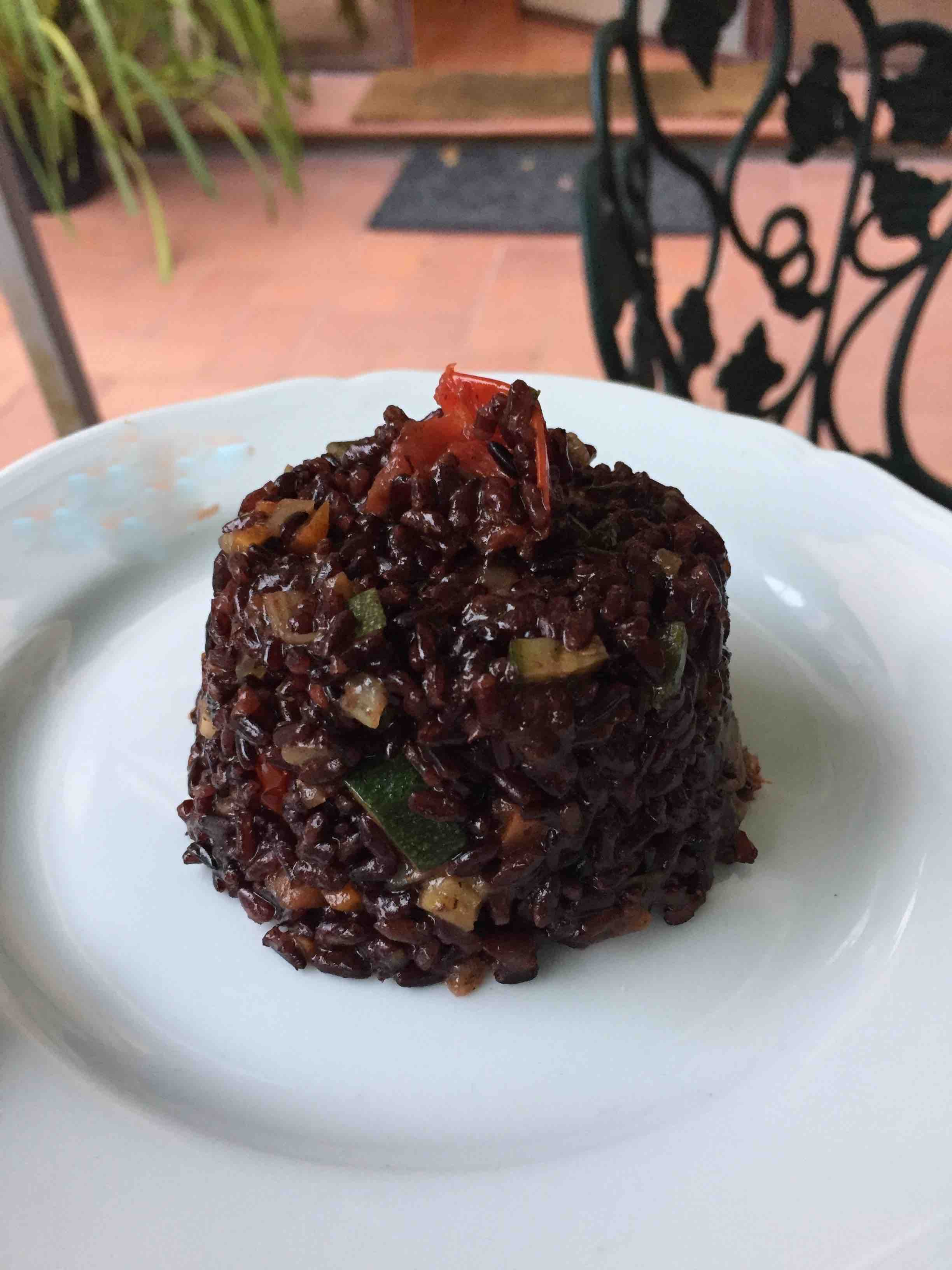 how making venus rice with veggies stir fry