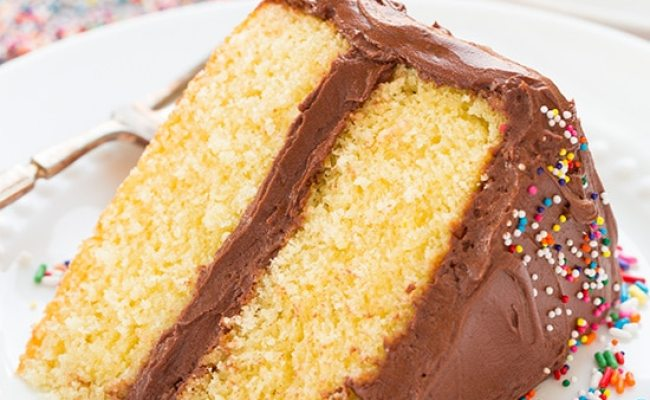 Yellow Cake With Chocolate Buttercream Frosting Cooking