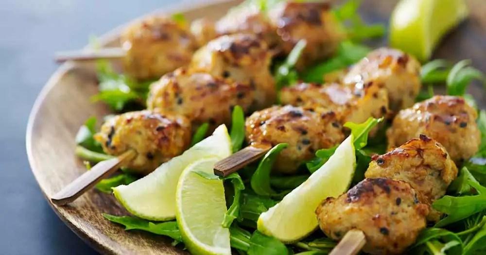 Albondigas Opskrift sticks med kyllingekødboller – ovnbagte og lidt sundere | cookingclub