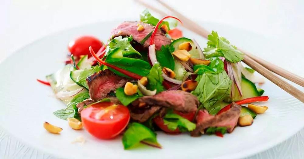 Thai beef salad oksekødssalat