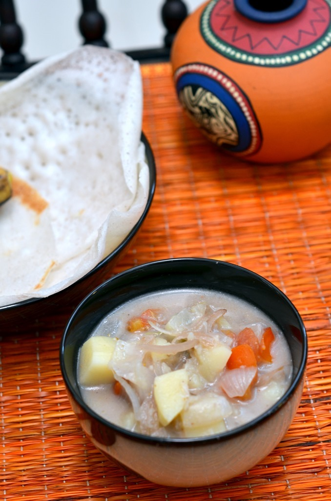 Kerala Style Potato Stew - #foodiemamas - Cooking Curries (2)