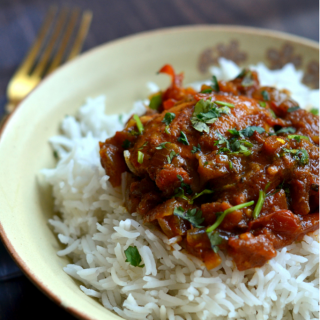 Chicken Curry - the easiest and simplest way to make one! www.cookingcurries.com