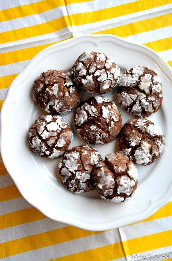 Chocolate Crackle Cookies - Christmas Cookies - Holiday Baking - www.cookingcurries.com (2)