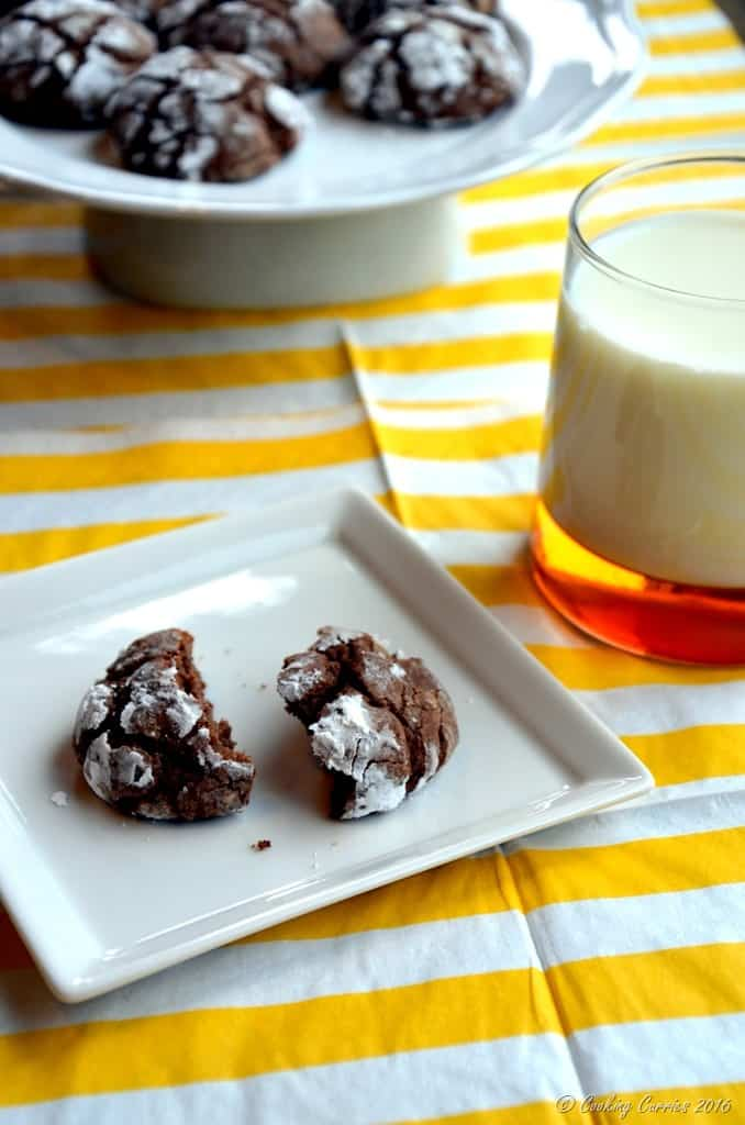 Chocolate Crackle Cookies - Christmas Cookies - Holiday Baking - www.cookingcurries.com (4)