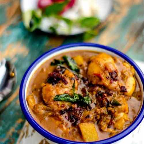 Kerala Style Chicken Curry with Coconut Milk
