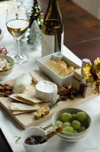 Holiday Entertaining : Wine and Cheese Party